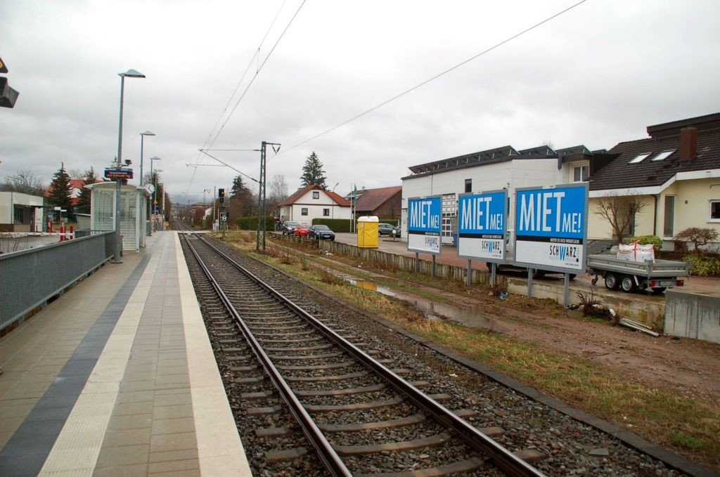 Hohe-Flum-Str. 26/Bahnhof/Haltepunkt West