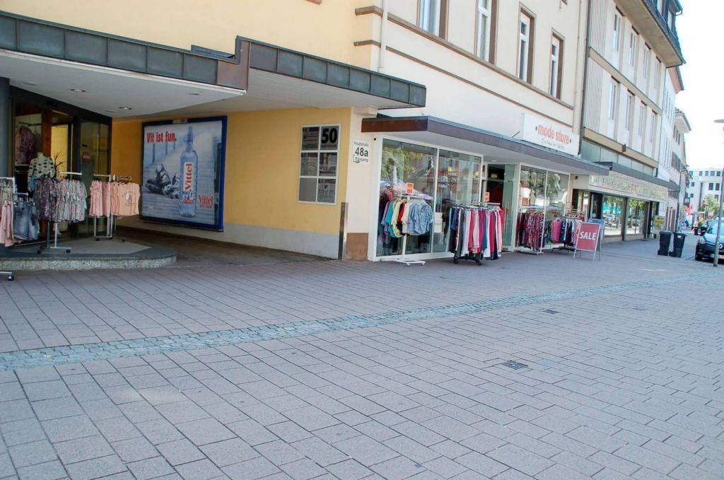 Hauptstr. 50/Durchgang (neb. Mode Store)