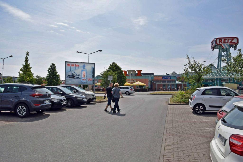 Mein Plakat Neuruppin Stadt Junckerstr 26 Kauflandeinfahrt