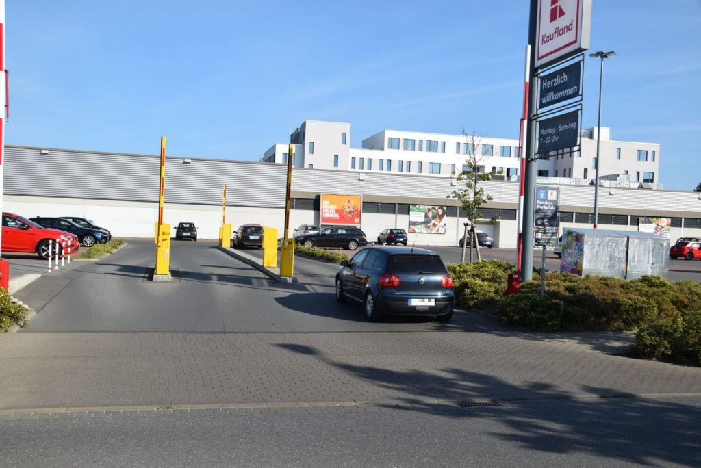 Pütterweg 1 /Kaufland/geg. Einfahrt
