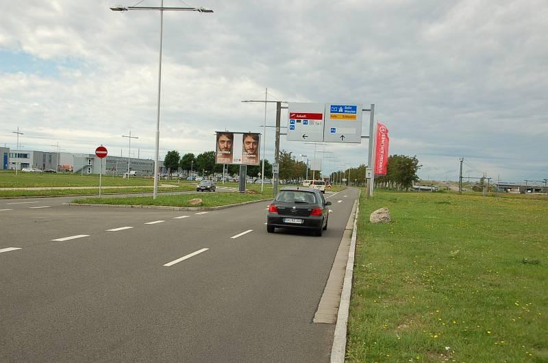 Flughafen Leipzig/Flughafenallee/nh. Einfahrt PH/WE lks -CSB