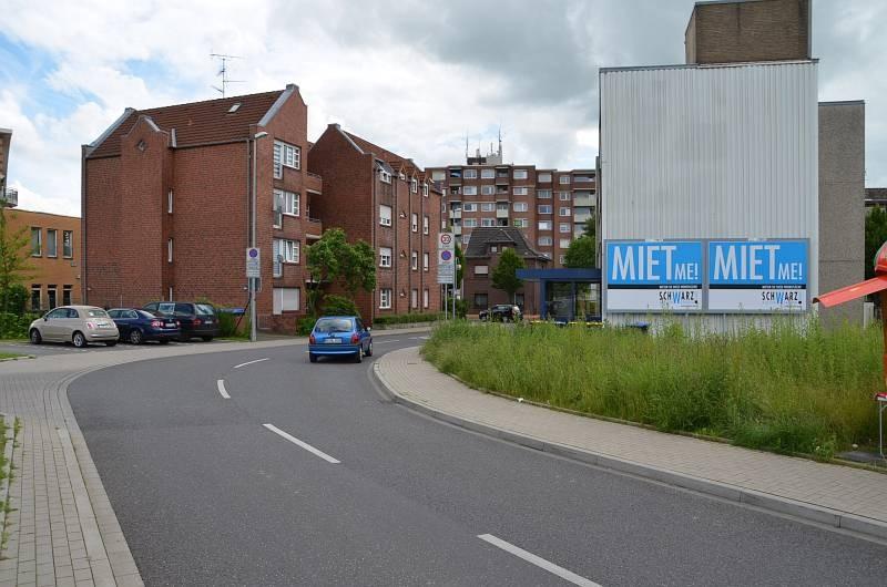 Haagstr. 34/E-Center Parkhofstr/geg. Einfahrt (quer)