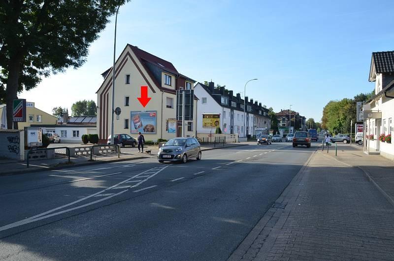 Hagener Str. 59/Höhe Rewe XXL Getränke (quer am Giebel)