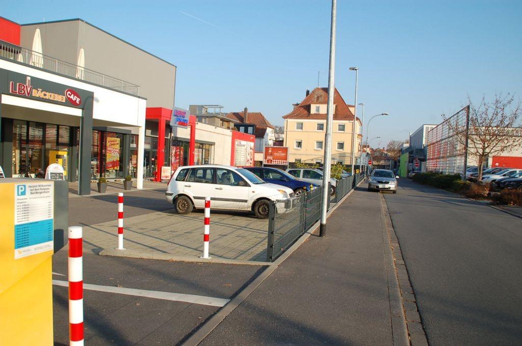 Johann-Hammer-Str. 16/geg. E-center im Activ Center/rts/quer