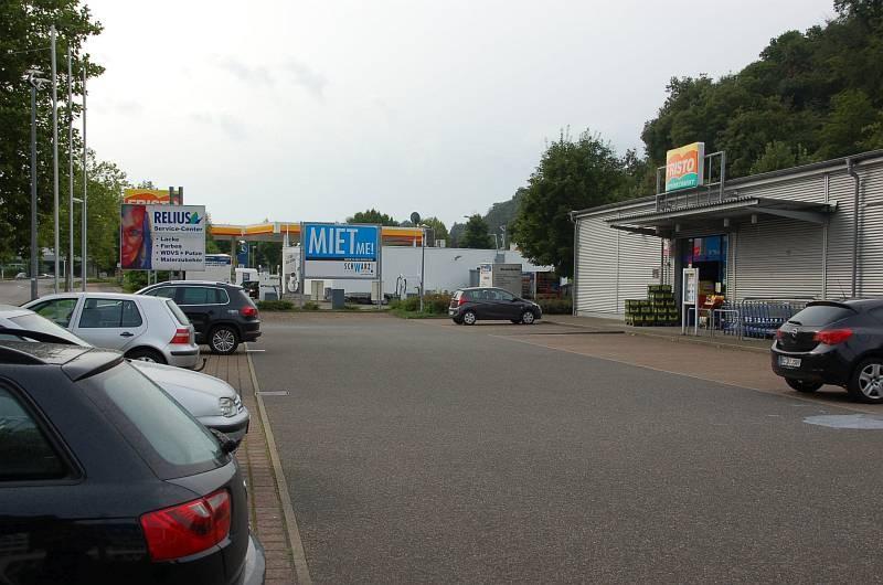 Leipzigstr. 30 /Fristo Getränkemarkt/Einfahrt (Sicht Markt)