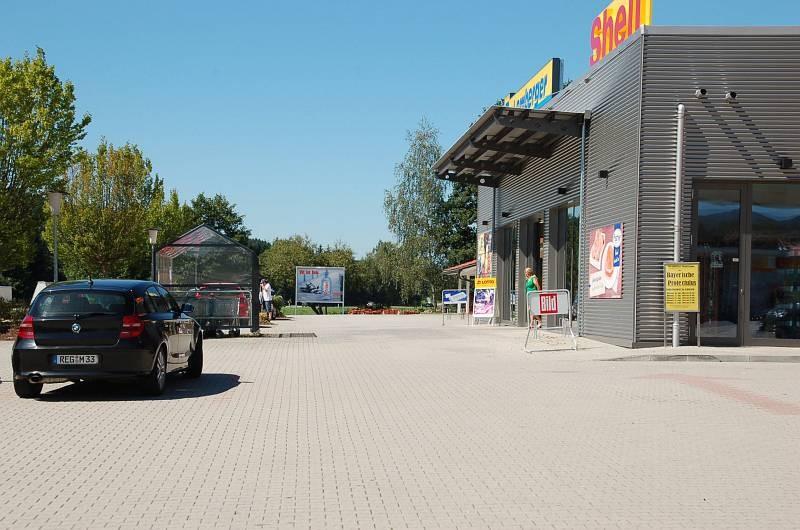 Pointwiese 1 /Edeka + Shell Tankstelle/neb Eingang