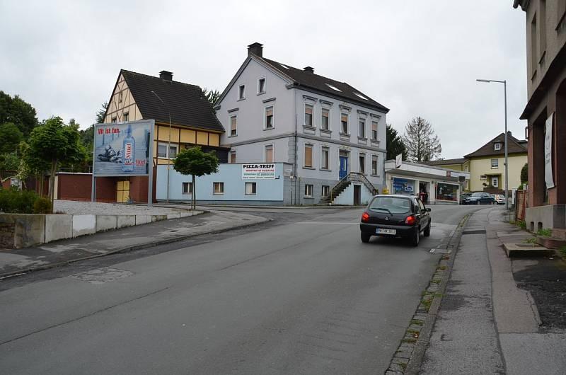 Bahnhofstraße in Bösperde 80/Ecke Landwehr/WE lks