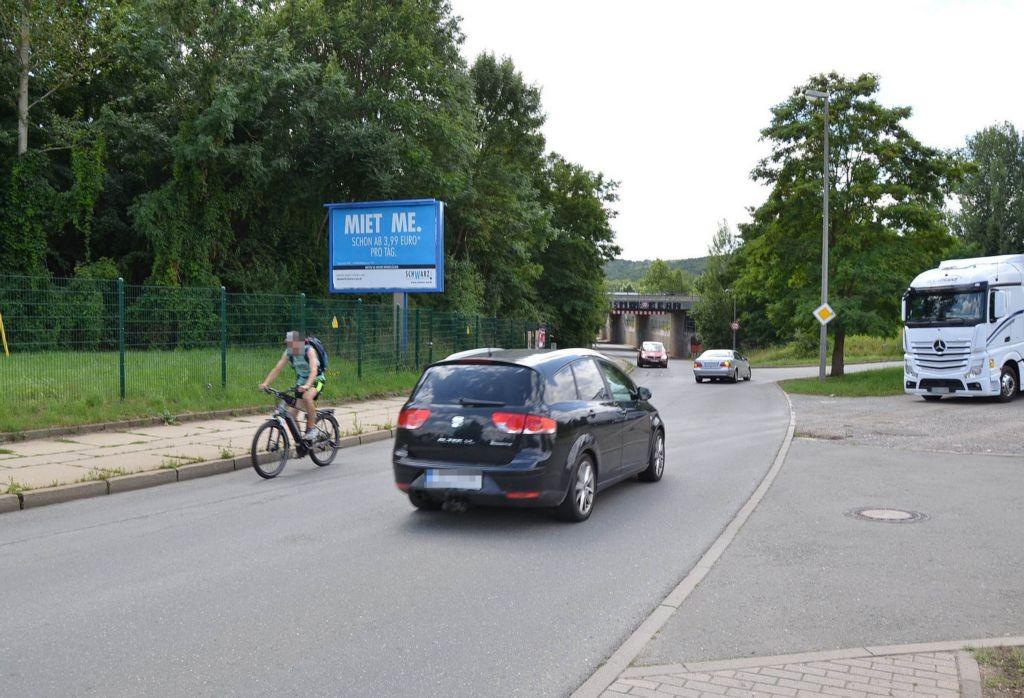 Leibnizstr/geg. Nr. 65a/b.Bushaltestelle/WE lks (City-Star)