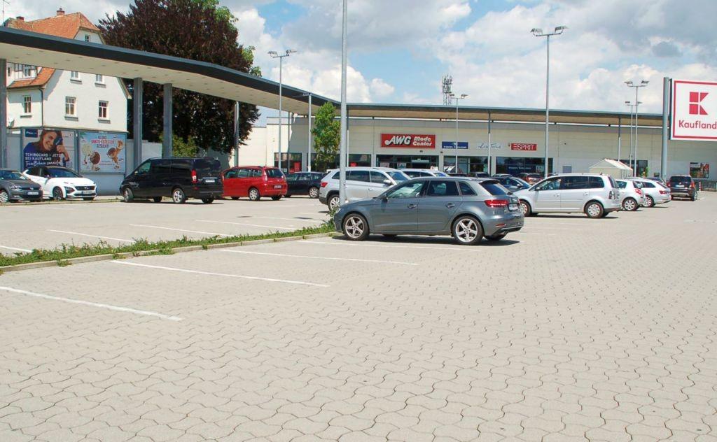 Heinrich-Hammer-Str. 2-4 /Kaufland/geg. Eingang