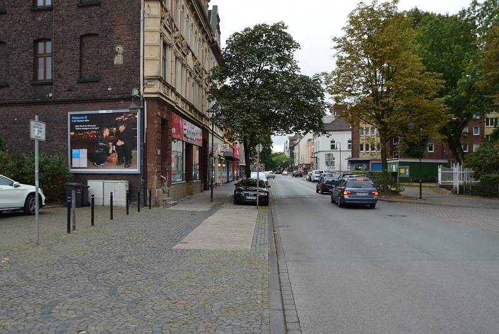Hauptstr. 322/Ecke Karlstr (quer am Giebel)