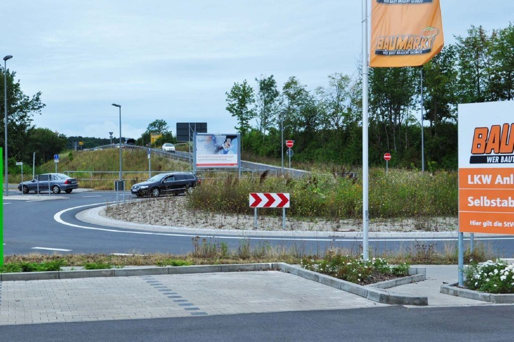 Im Rinschenrott/Zufahrt B 3/geg. Globus Baumarkt/Lutteranger
