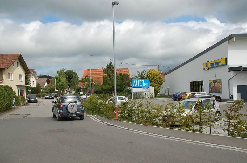 Öschweg 2 /Edeka/nh. Eingang/quer zur Str