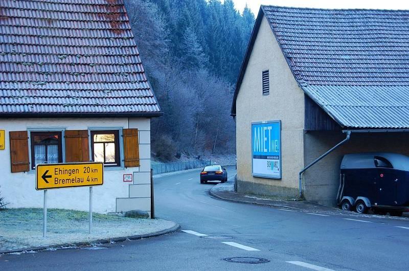 Schlossrainstr/Im Herrengarten 1  (Hundersingen)