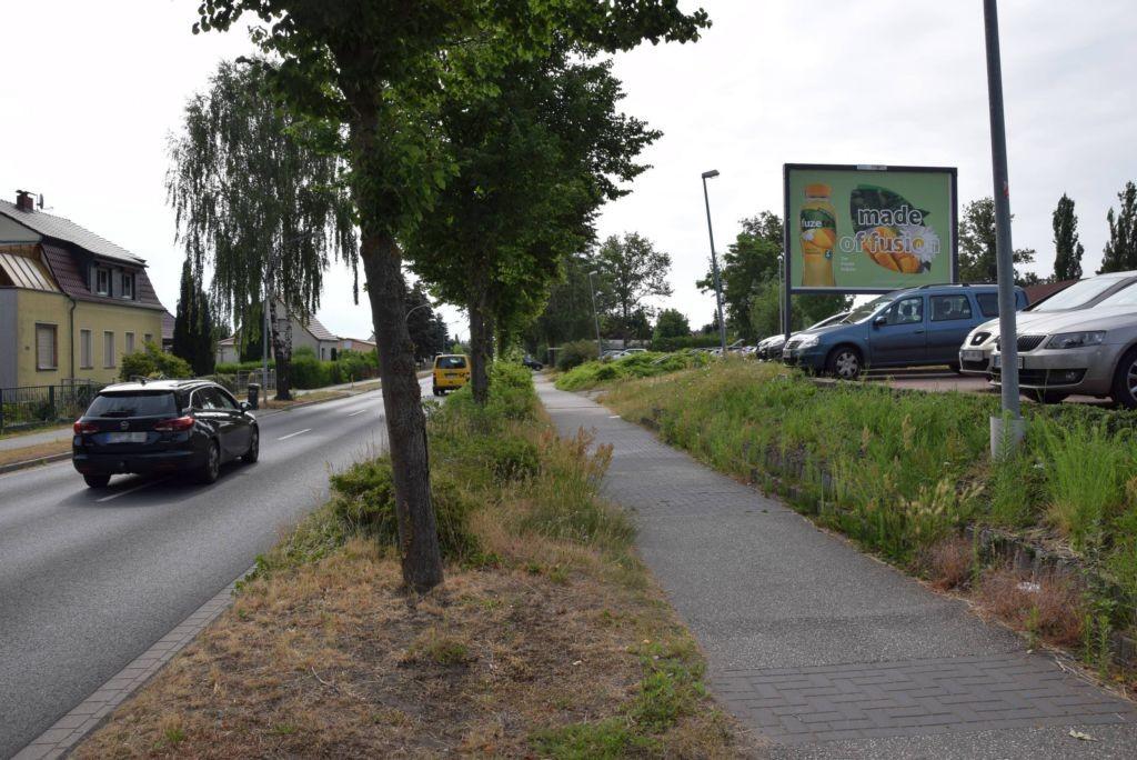 Berliner Allee 30c /Lidl/lks von Einfahrt/Sicht Str/WE rts