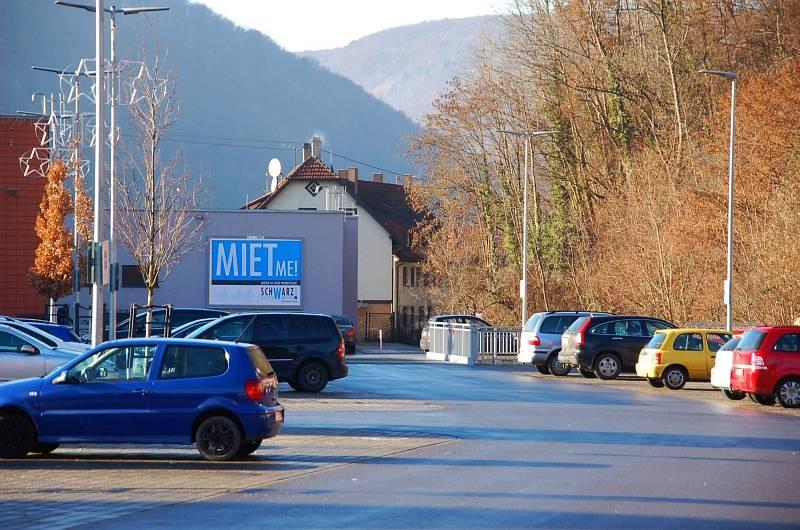 Gebrüder-Gross-Str. 11 /Rewe im Elsach-Center/geg. Eingang