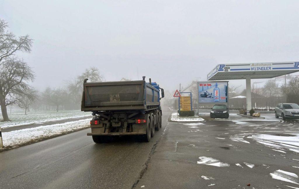 Herrlinger Str. 43/L 1236/Kfz-Werkstatt/WE rts  -Asch