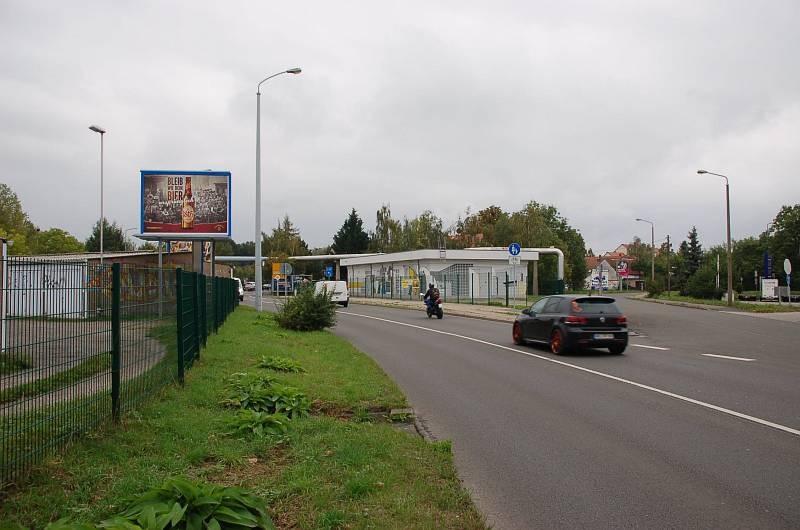 Hohentichelnstr/geg. Einfahrt Tankstelle/WE lks (City-Star)