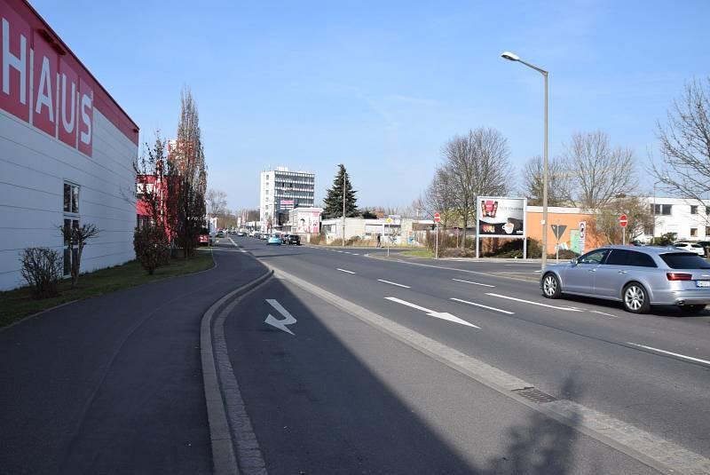 Carl-Benz-Str. 7 /Marktkauf/nh. Ausfahrt (quer zur Str)