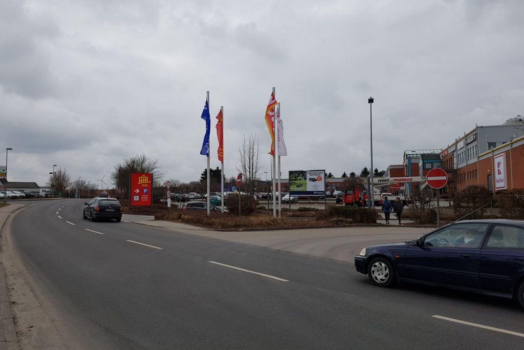 Marktstr. 1 /Kaufland EKZ/Einfahrt PH (Sicht Str)