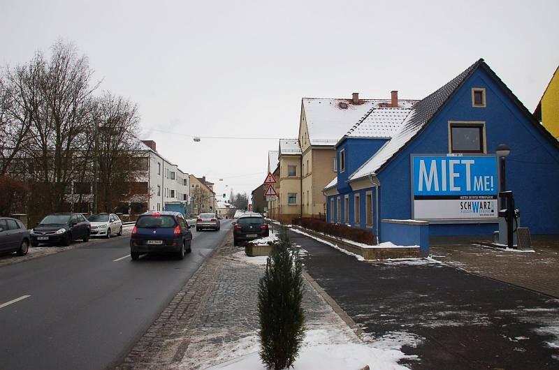 Egerer Str. 47 (quer zur B 299)