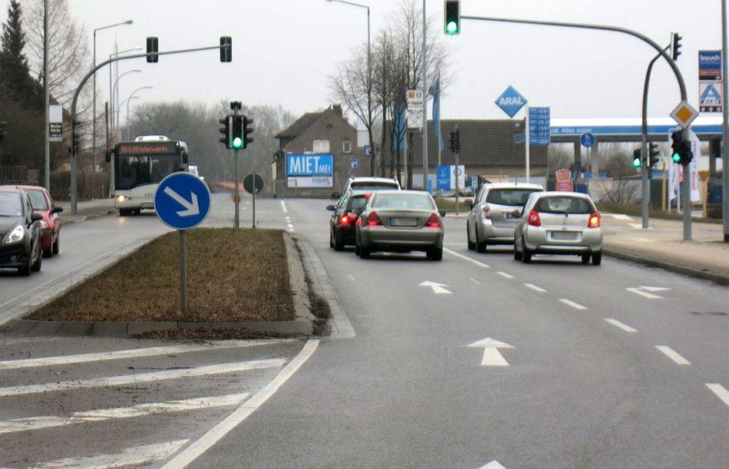 Weinberge 7/B 169/b. ARAL-Tankstelle (quer zur Str)