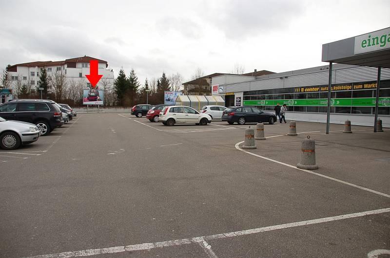Karpfenweg 10-12 /E-center/lks vom Eingang (mte)