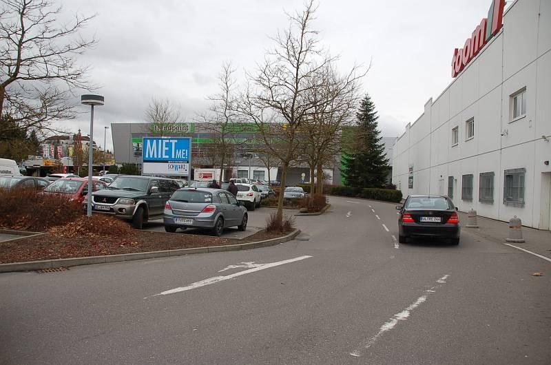 Karpfenweg 10-12 /E-center/Höhe Toom (Sicht Toom)