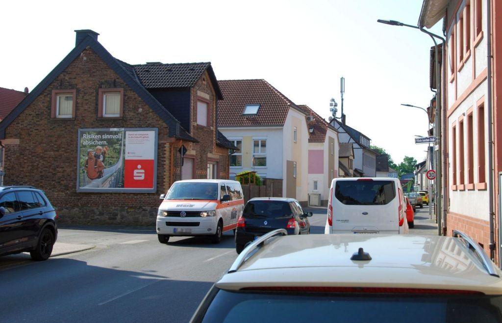 Mühlheimer Str. 27/Ecke Wilhelm-Leuschner-Str (quer)
