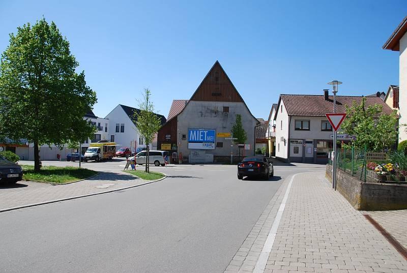 Oberjesingerstr. 21 (quer zur B 296)