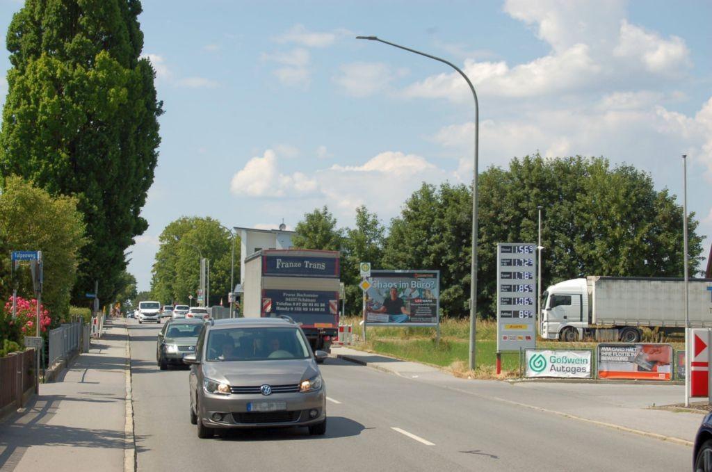 Plattlinger Str/B 8/Ecke Piechlerstr/WE rts