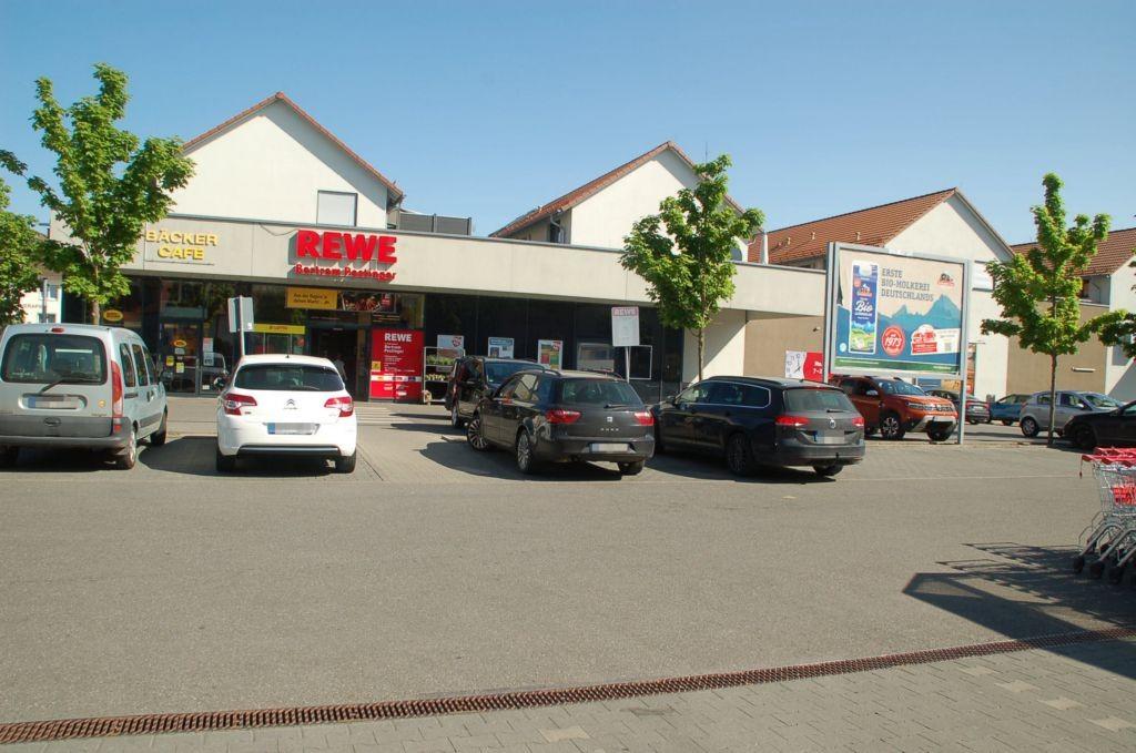 Schussenrieder Str. 20 /Rewe/neb. Eingang (Sicht Einfahrt)