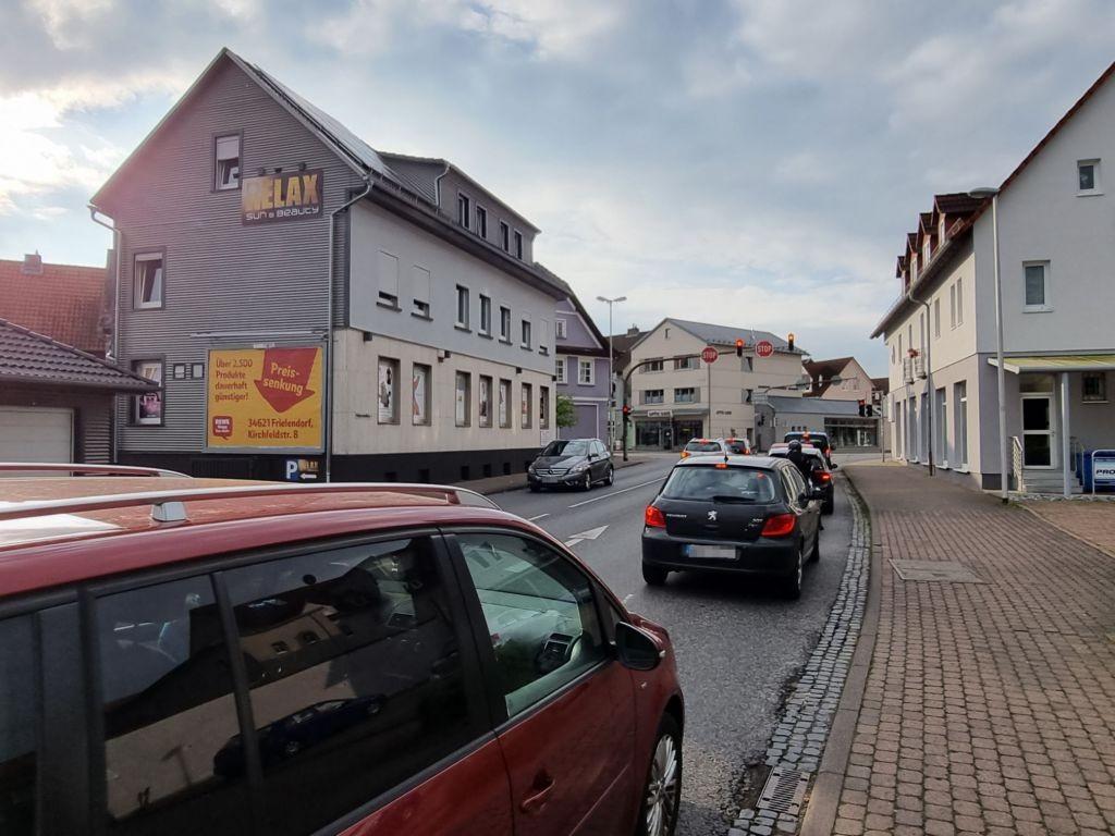 Hessenallee 1 (quer am Giebel)