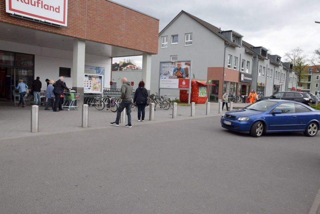 Wiesenstr. 7 /Kaufland/rts vom Eingang (Sicht Eingang)