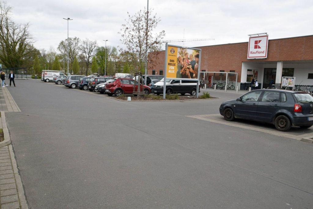 Wiesenstr. 7 /Kaufland/geg. Eingang (Sicht Netto)