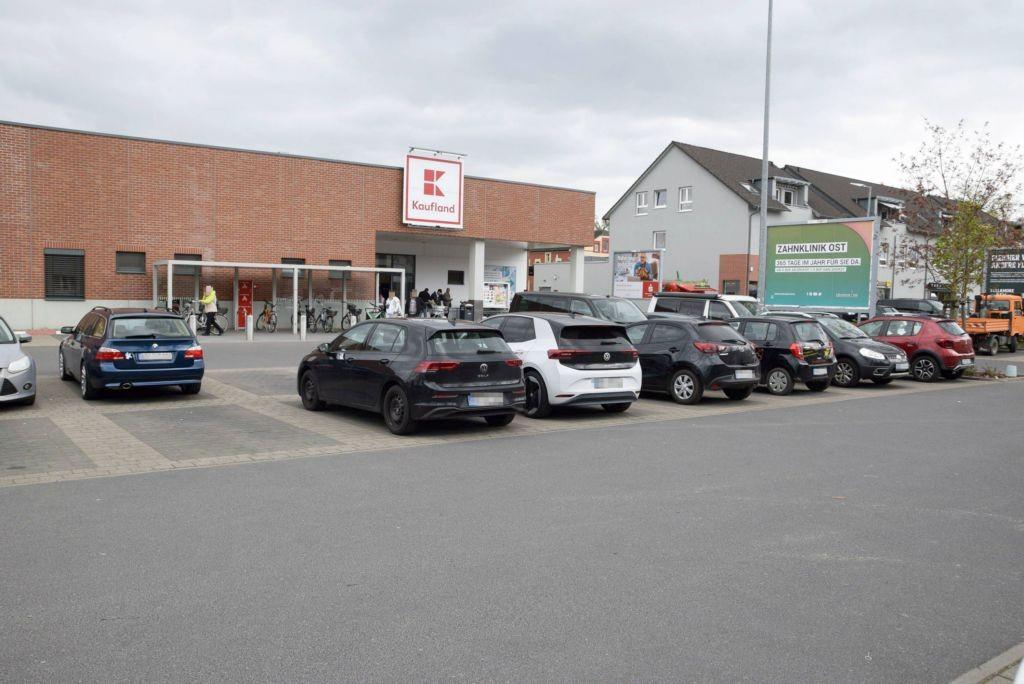 Wiesenstr. 7 /Kaufland/geg. Eingang (Sicht Einfahrt)