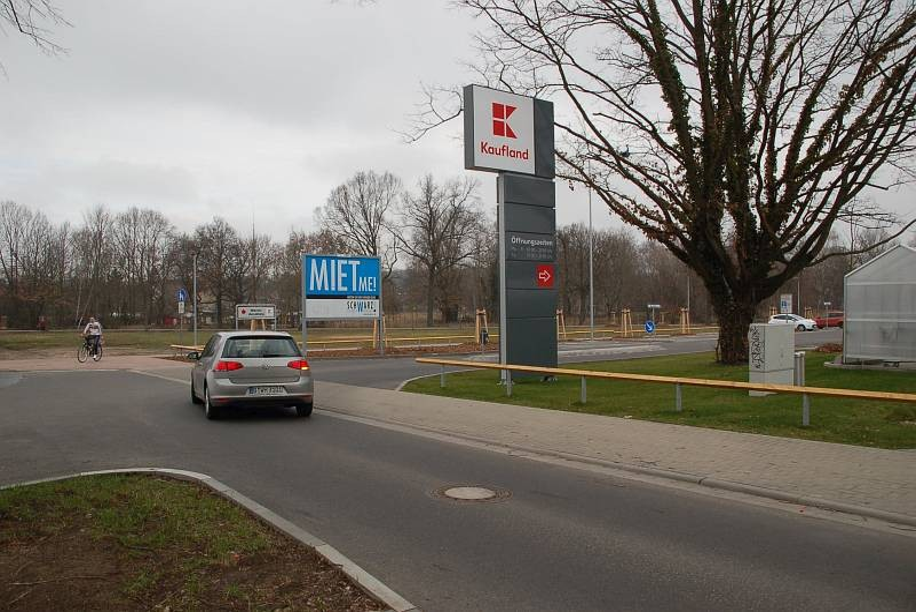 Wiesenstr. 7 /Kaufland/Einfahrt (quer zur Str)