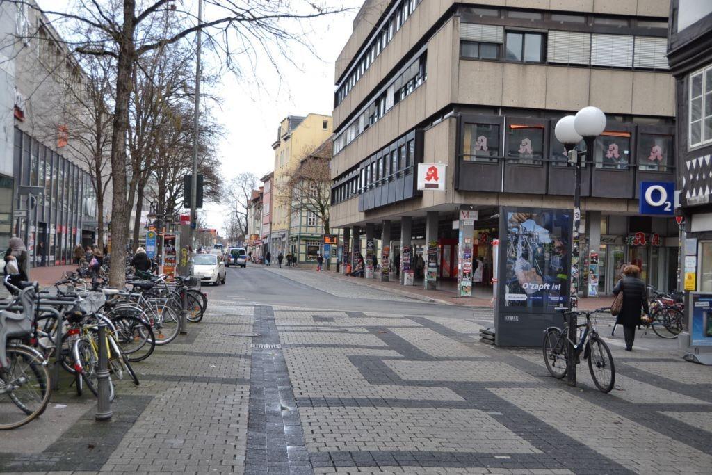 Weender Str/Jüdenstr/bei O2-Shop (Sicht H&M)