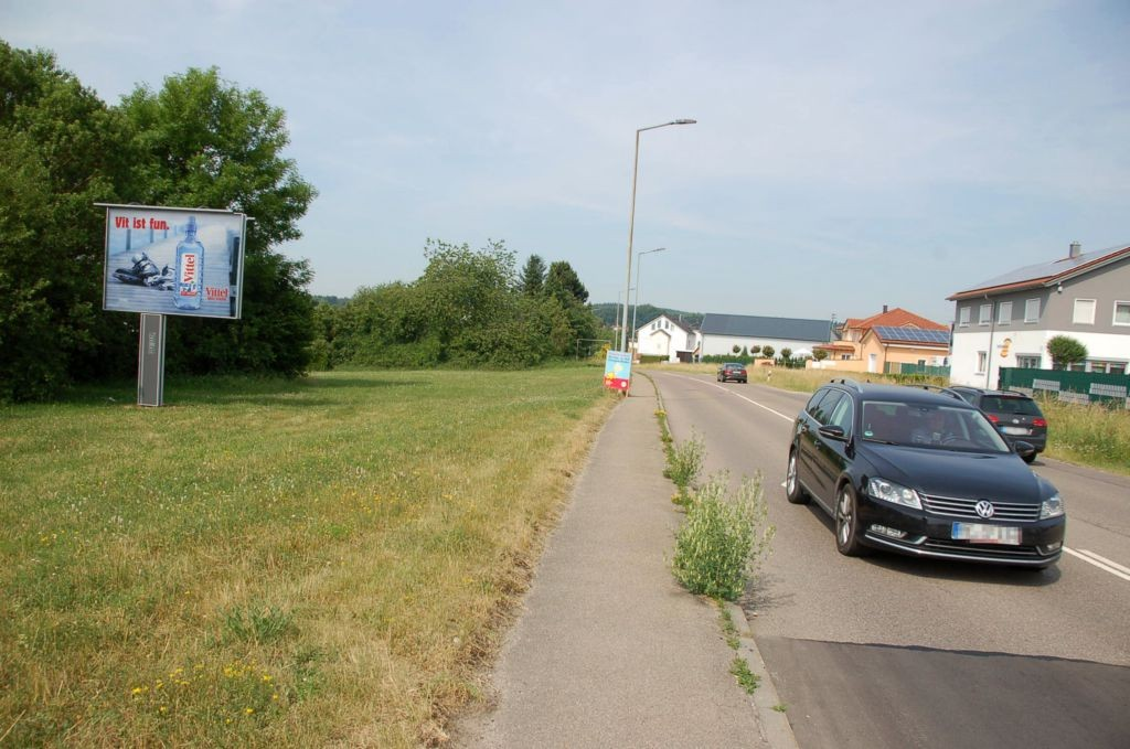 Jurastr/Ecke Thurn-u-Taxis-Str/Zufahrt Netto/WE lks (CSB)