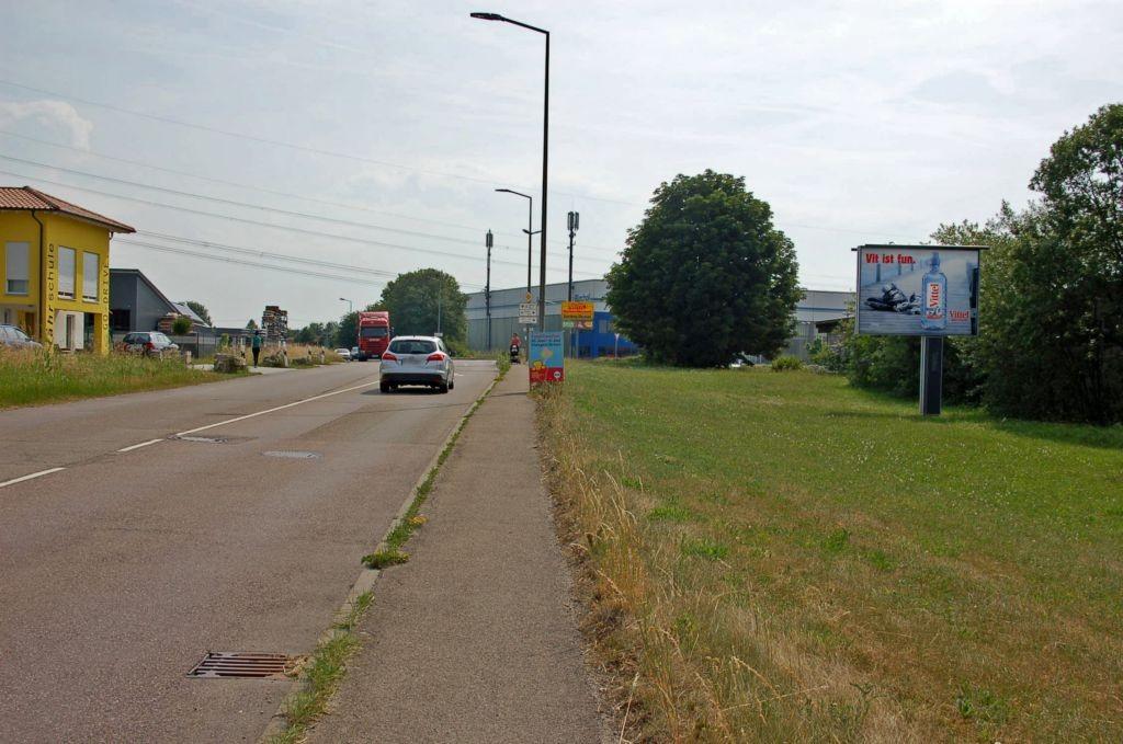 Jurastr/Ecke Thurn-u-Taxis-Str/Zufahrt Netto/WE rts (CSB)