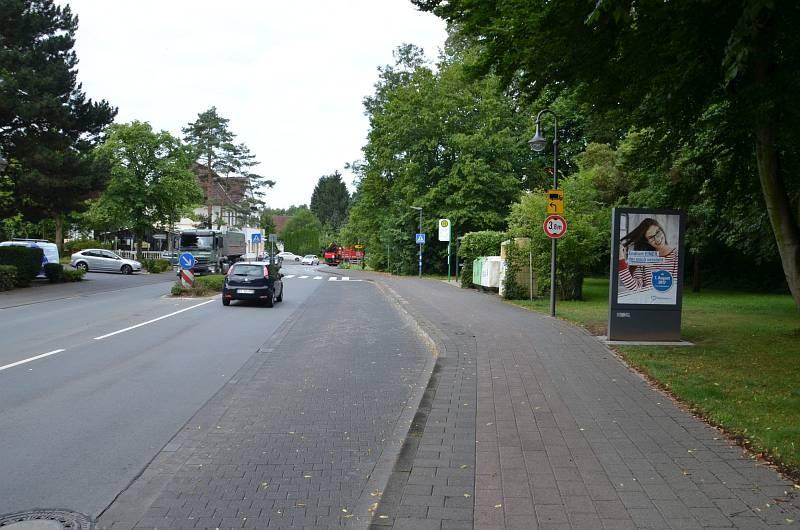 Friedrichsdorfer Str/geg. Nr. 30 (Sicht Denkmalsweg)