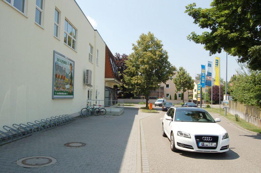 Ingolstädter Str. 38 /Edeka/rts vom Eingang (rts)