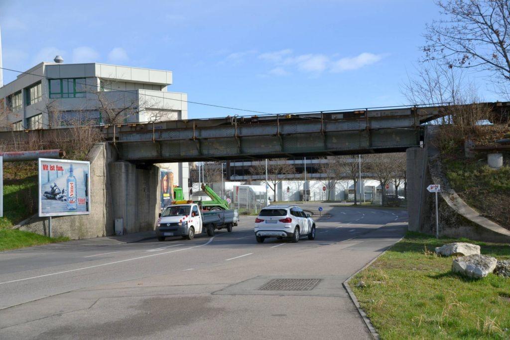 Neckarwiesenstr/Langwiesenweg/bei Unterführung/mte