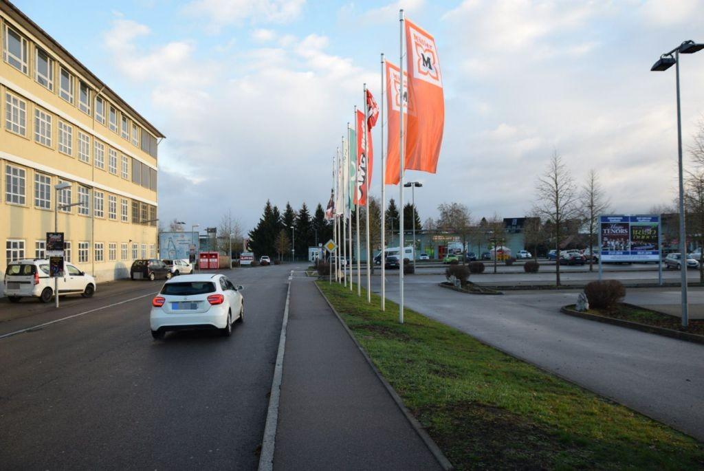 Max-Eyth-Str. 6 /Rewe/Höhe Einfahrt (Sicht Str)