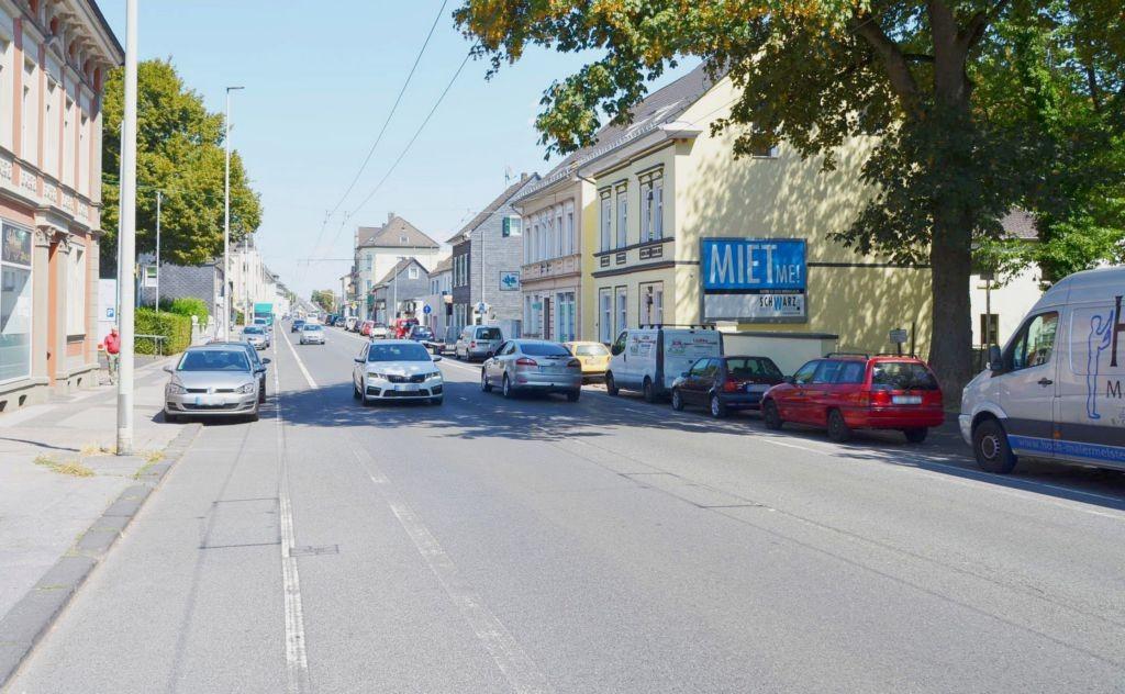 Neuenhofer Str. 50/B 229 (quer am Giebel)