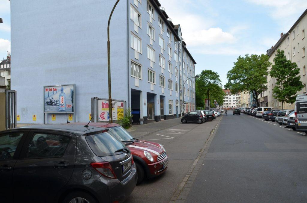 Tußmannstr. 74 /Trinkgut/rts vom Eingang/rts (quer zur Str)