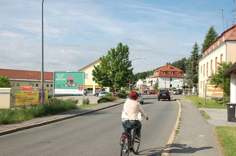 Hauptstr. 57 /Getrk. Degenhart/geg. Eingang (Sicht Pizzeria)