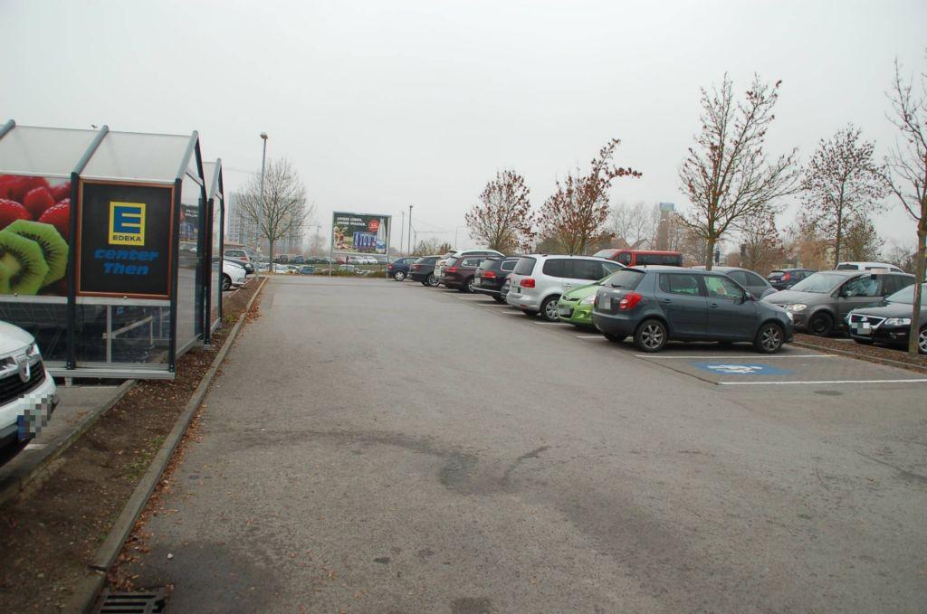 Kastanienallee 16 /E-center/geg. Eingang (Sto. 4)