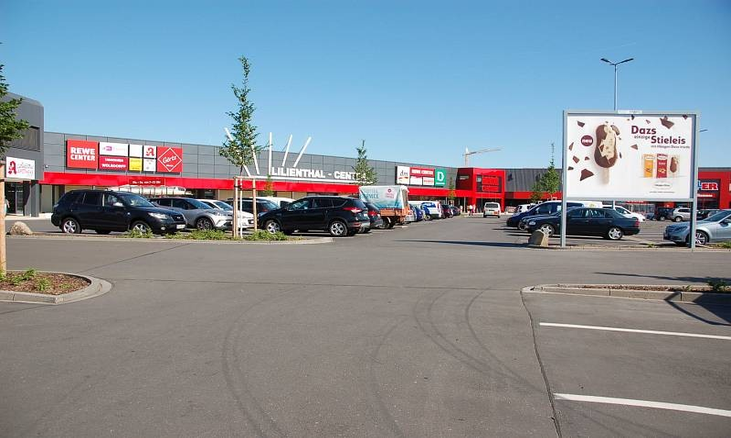 Amselstr. 10 /Rewe/linke Einfahrt/Sicht Merkur Casino/Sto. 1