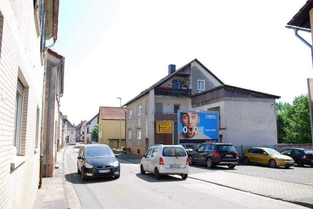 Hauptstr. 99/quer zur B 48 (lks)
