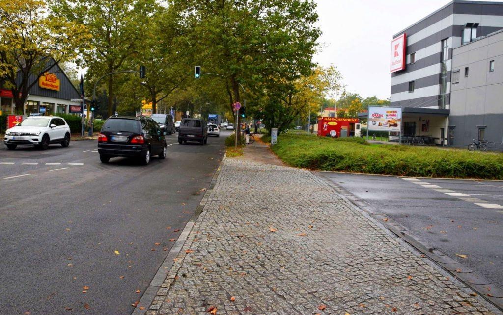 Ostpreußendamm 60 /Kaufland/neb Eingang/Si Str/-freistehend